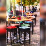 رستوران زیبا در خیابان