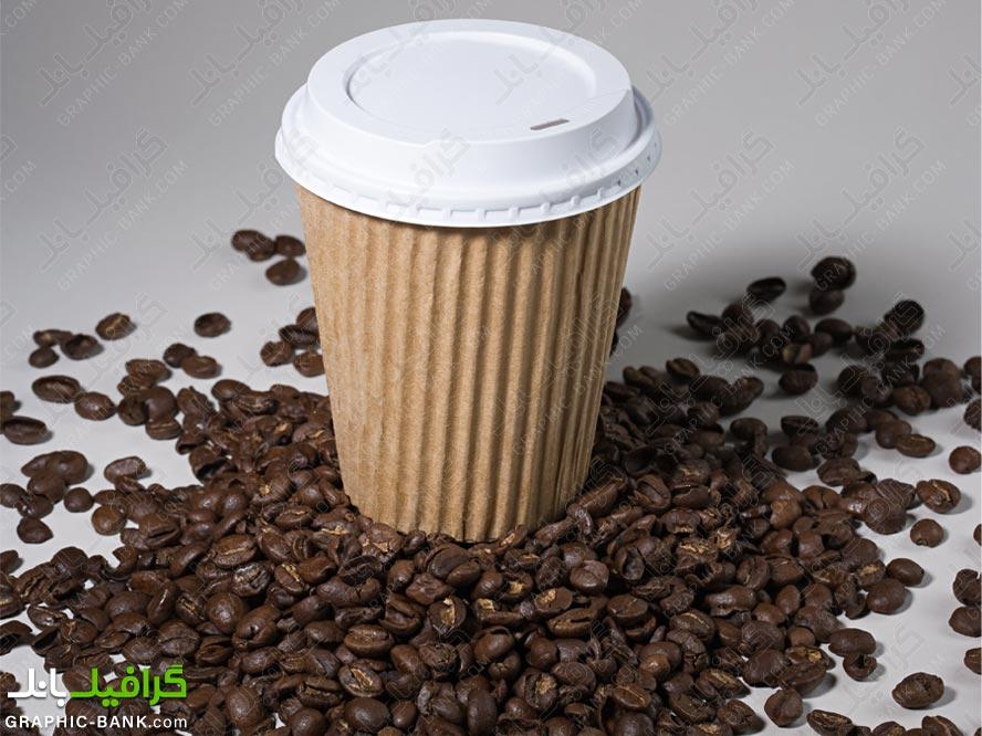 تصویر لیوان کاغذی و قهوه